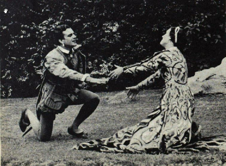 the effect of the love potion on the relationship between helena and hermia A midsummer night's dream: the love potion how does helena speak in this scene and how does it change when she talks to hermia.