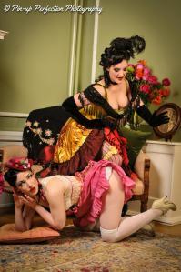 Shimona Henry 01 corset 2012