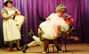 Honey Holiday burlesque