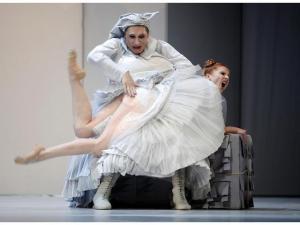 2012 Opera Wroclawska Poland spank 2