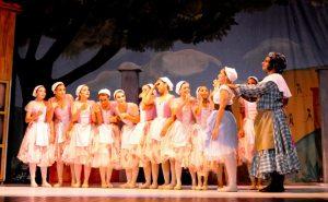2012 Ballet de la Mar Leonor Rojas Vercelli as Lise 2