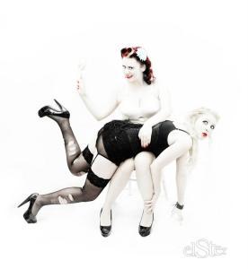 elster-female-strictness
