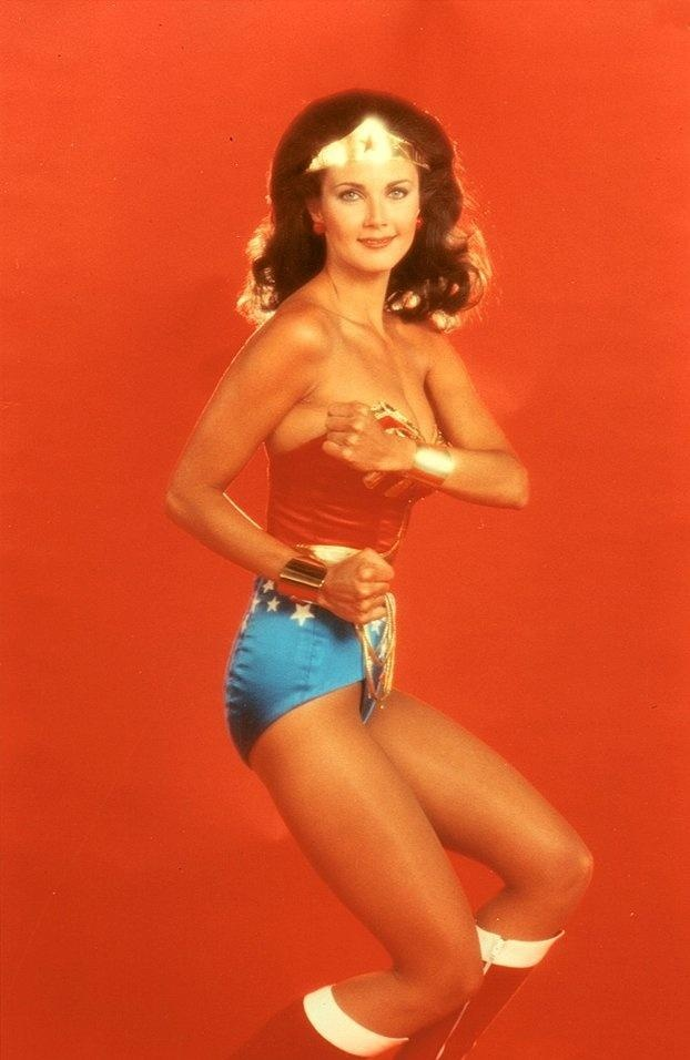 Current wonder woman costume-6071