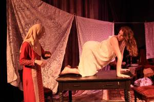 desdemona-2016-post-5-theatre-co-1-w-elizabeth-parker-as-des